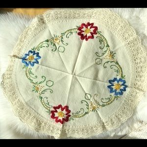 Vintage Hand Embroider Crochet Cotton Linen Topper